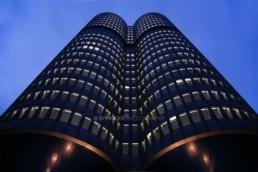 Architekturfotografie: BMW Hochhaus München bei Nacht | 0997 | © Effinger