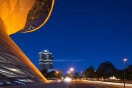 Architekturfotografie: BMW Welt München, BMW Museum, BMW Hochhaus bei Nacht   4667   © Effinger