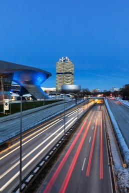 Architekturfotografie: BMW Welt München, BMW Museum, BMW Hochhaus bei Nacht   5511   © Effinger