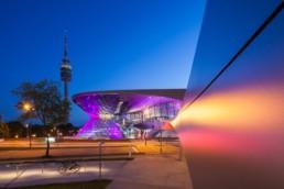 Architekturfotografie: BMW Welt München und Olympiaturm bei Nacht   9959   © Effinger