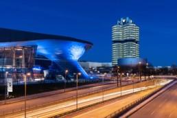 Architekturfotografie: BMW Welt München, BMW Museum, BMW Hochhaus bei Nacht   5545   © Effinger